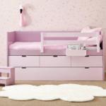 1d postel růžová koberec obláček