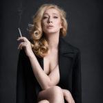 3_Bohdana Pavlíková ve hře Natálie Kocábové Pohřeb až zítra_foto Alena Hrbková_repro zdarma