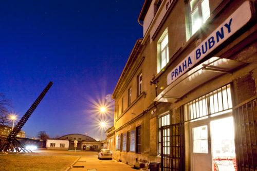 Nádraží Praha-Bubny se v červnu promění v jedinečnou alternativní scénu a galerii