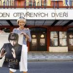 1_Klára Cibulková představitelka Krysaře zve na Den otevřených dveří ve Švandově divadle_foto Jiří Vaňek_repro zdarma