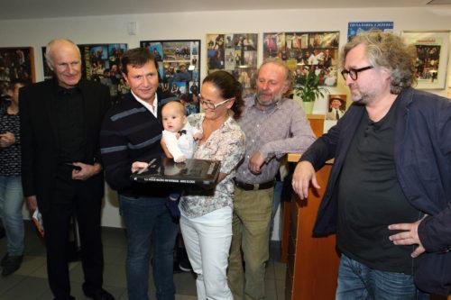 Divadlo Na Jezerce pokřtilo knihu a oslavilo tak 15. divadelní narozeniny