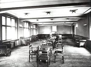 3_hlavní přednáškový sál v přízemí Paláce v roce 1928_prostor nyní využívá restaurace_foto YMCA_repro zdarma