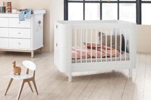 1_Postýlka Mini+ pro miminko_přebalovací pult a židlička Oliver Furniture_foto Viabel_repro zdarma