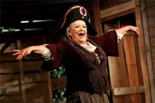 Tři oslavy na Jezerce! Generálka stokrát, Shylock po padesáté, dvě stě padesátkrát Paní plukovníková