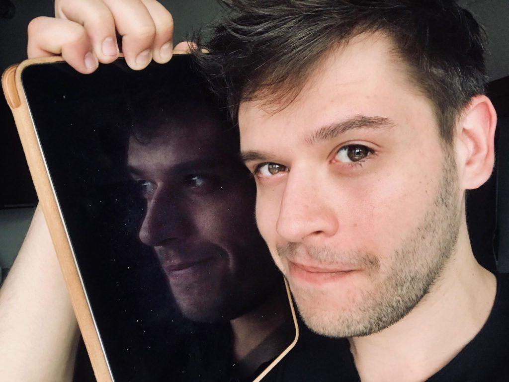 1_herec Libor Stach patron letošní soutěže Mladý programátor_foto archiv herce_repro zdarma