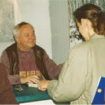5_Miroslav Horníček na autogramiádě v roce 1992_foto Památník KČ_repro zdarma