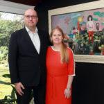 1_manželé Tomáš a Marie Hejtmánkovi s obrazem Rozejděte se!!! Josefa Hlinomaze_foto Arthouse Hejtmánek_repro zdarma