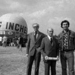 7_Kamil Lhoták a František a Jan Dvořákovi_ Letenská pláň_balon Incheba_1978_foto Václav Chochola © Archiv B&M Chochola_repro zdarma