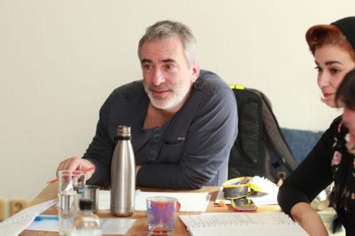 Režisérský debut herce Petra Vacka: nestárnoucí Saturnin na Jezerce