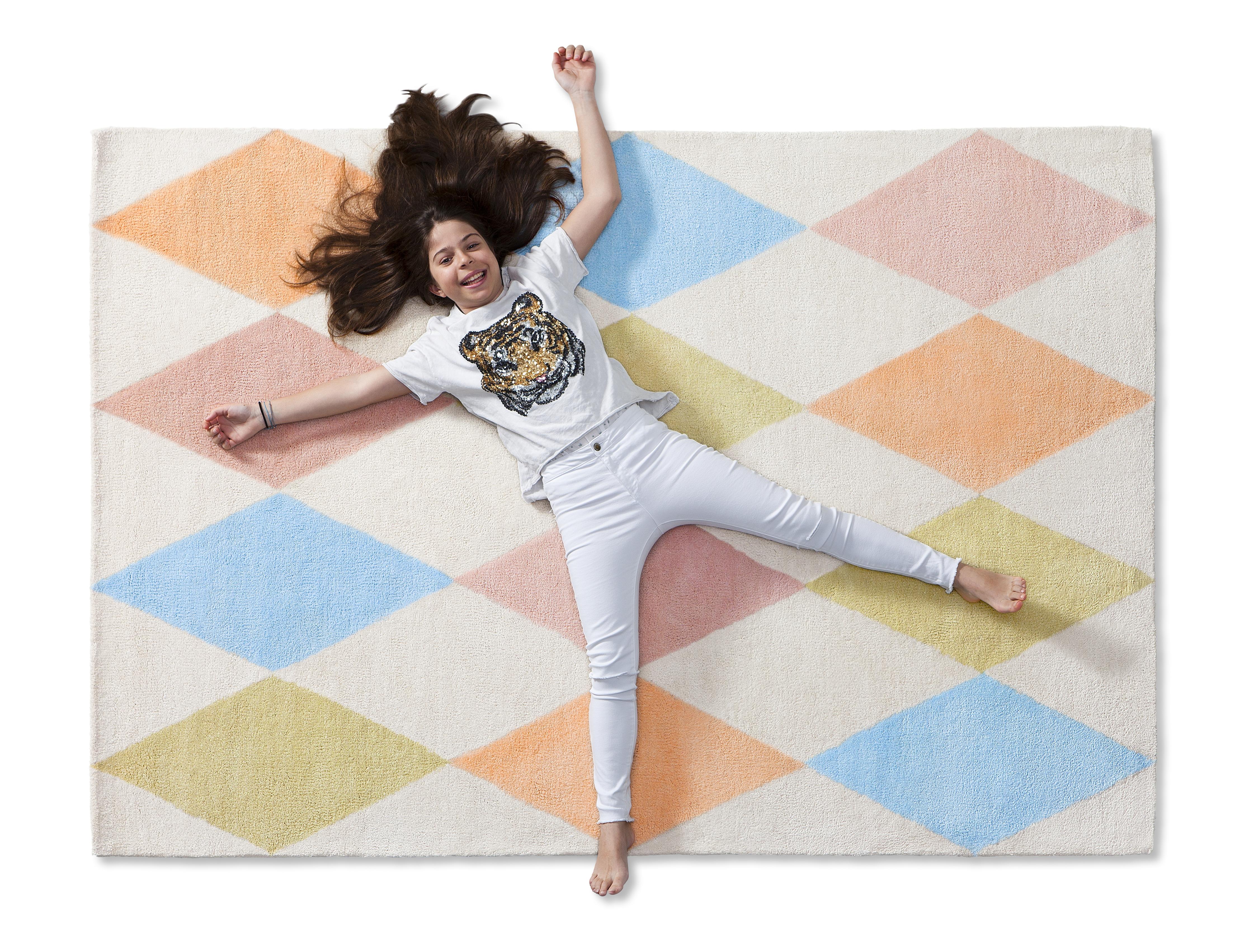 1_Měkký akrylový koberec Cirkus značky Asoral_130x170cm_foto Viabel_repro zdarma