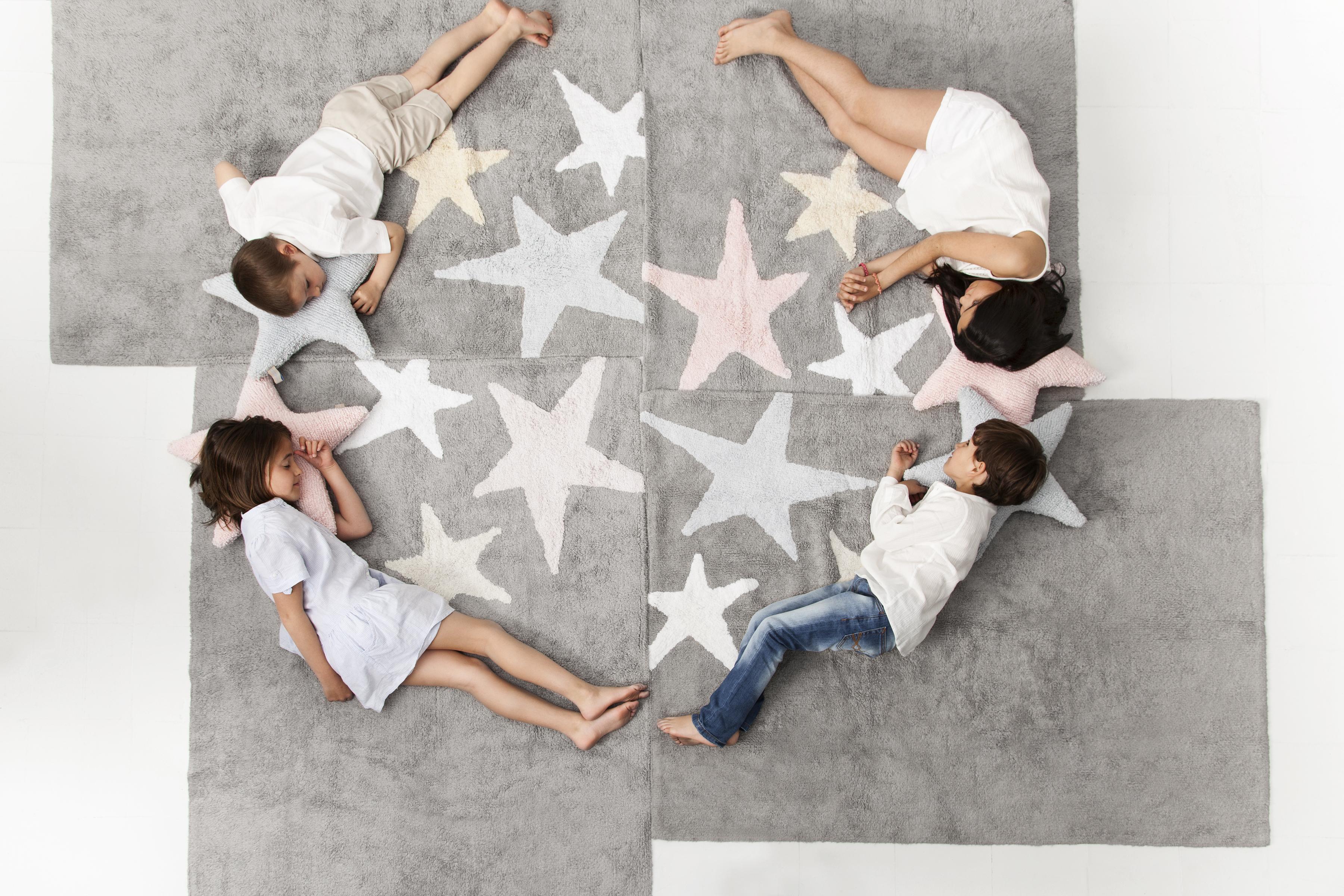 8_Kusové akrylové koberce s hvězdami_foto Viabel_120x160cm_repro zdarma