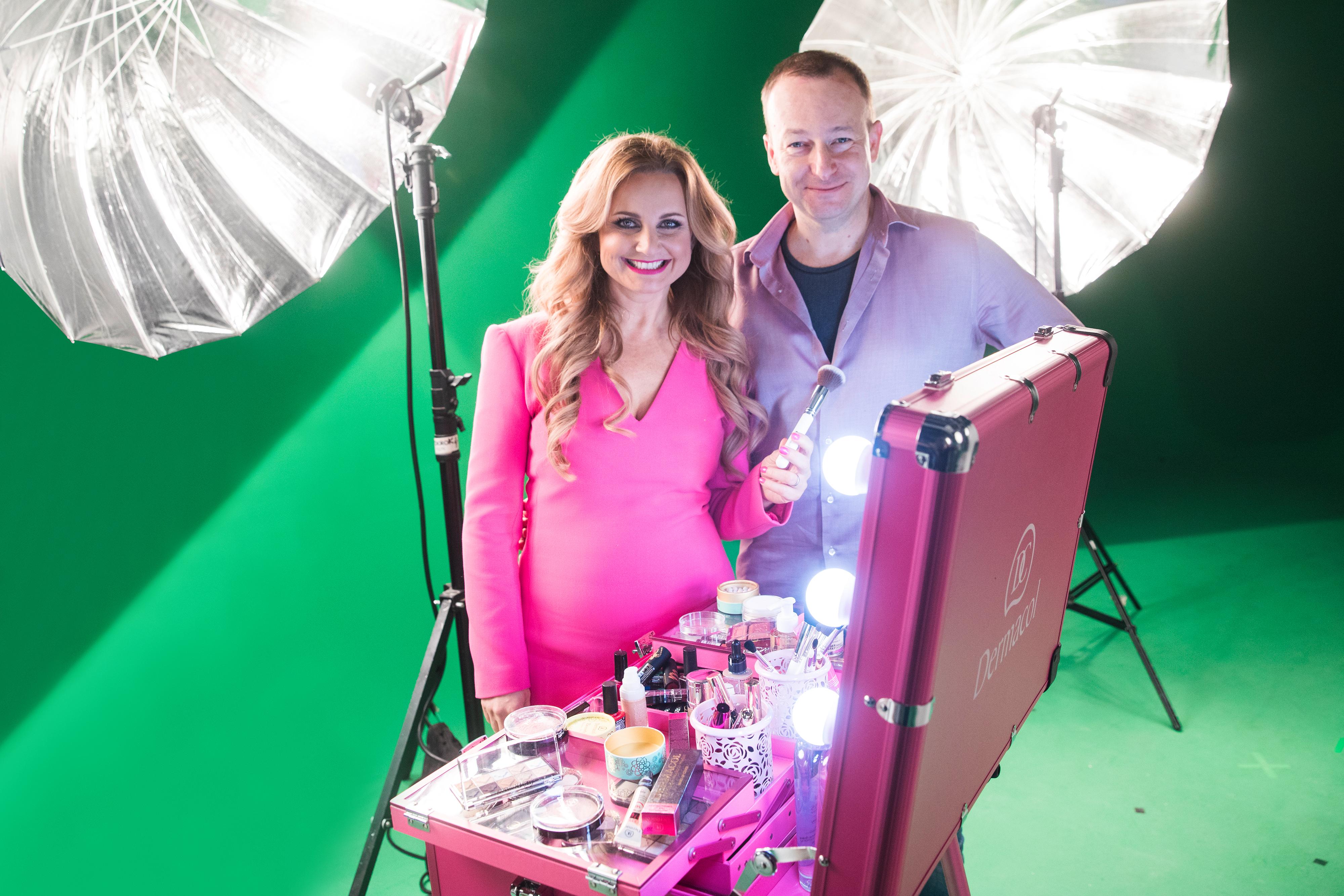 5_Manželé Věra a Vladimír Komárovi při natáčení reklamního spotu na nový make up značky Dermacol_foto archiv Dermacol_repro zdarma
