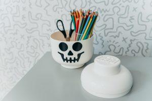 20_Dóza LEGO na ukládání psacích a výtvarných potřeb_foto Viabel - Lucia Rambousková_ repro zdarma