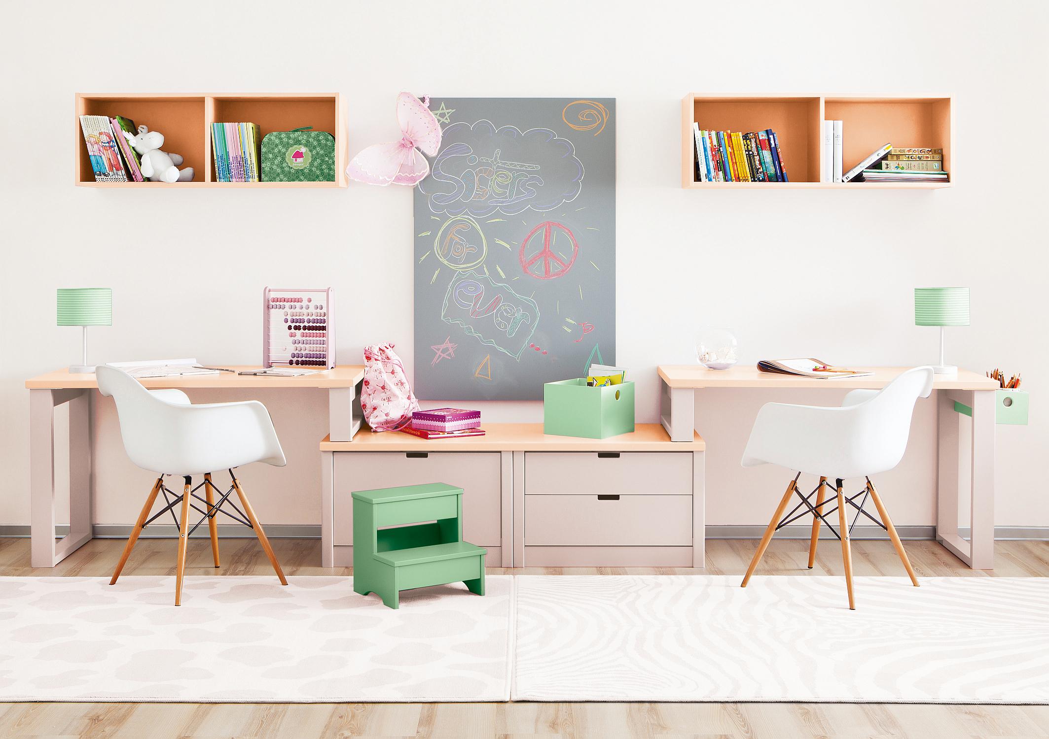8_Studijní kout pro sestry - dvojčata z nábytku Asoral v harmonických růžových tónech_foto studio Viabel