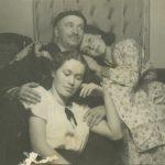 12_Květa se sestrou Blankou s tatínkem legionářem Vlastimilem Fialou_foto archiv herečky_repro zdarma