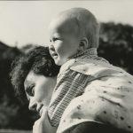 9_S dcerou Zuzankou v roce 1963_rodinný archiv herečky_repro zdarma