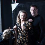 5_Michaela Badinková a Miroslav Etzler při focení snímků k inscenaci Mléčné sklo_foto Alena Hrbková_repro zdarma