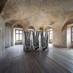 4_Fotografie Ruce ze série Mater vystavené v odsvěceném kostele v Litoměřicích_foto Pavel Mára
