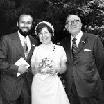 13_Janina svatba v roce 1971 s Karlem Kánským, který z Československa uprchl zahrabaný ve vagónu s uhlím_Na snímku je i otec Bohumil_archiv Jany Kánské