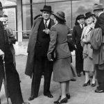 7_Milada v roce 1947 už jako jedna z nejvýznamnějších političek v rozhovoru s Janem Masarykem, na snímku je i Hana Benešová_foto archiv Jany Kánské