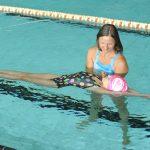 12_Gabriela Minaříková při výuce plavání_foto archiv Swim Smooth - Luboš J Marek_repro zdarma