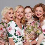 1_Bára Nesvadbová, _Jitka Asterová se svou dcerou Annou Linhartovou a Věra Komárová_foto Anna Kovacic_repro zdarma